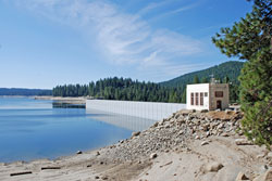 Photo of Shaver Lake dam