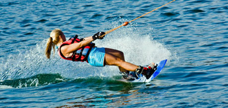 Photo of woman waterskiing